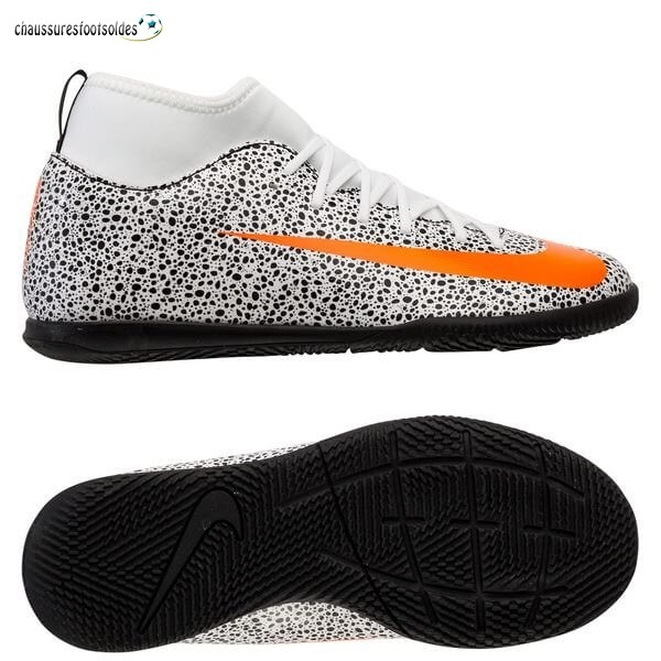 Nike Crampon De Foot Mercurial Superfly 7 Club Enfants IC CR7 Safari Blanc Orange Noir