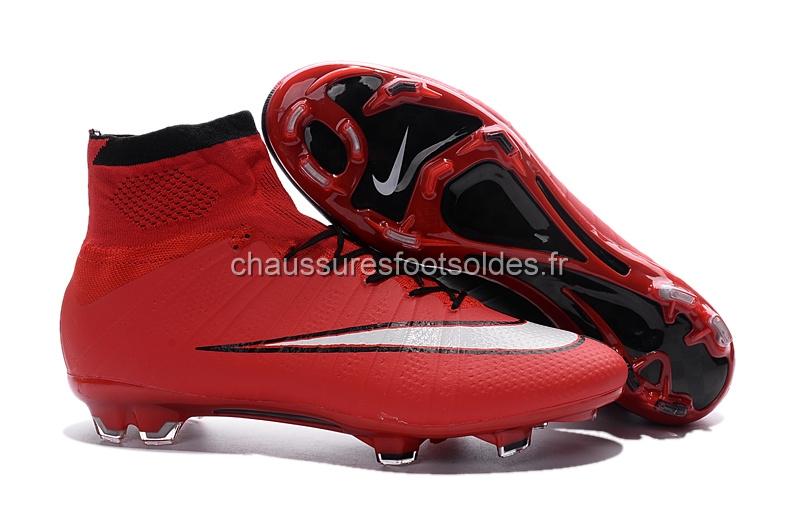 the latest 18508 8c718 Nike Crampon De Foot Mercurial Superfly Enfants FG Rouge Blanc Noir
